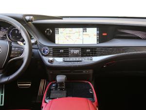 2018款500h F Sport 中控台