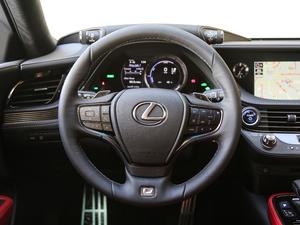 2018款500h F Sport 方向盘
