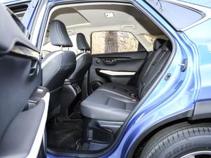 2017款300 锋尚版 全驱 后排空间