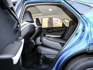 2017款300 锋尚版 全驱 后排座椅放倒