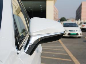 2017款300h 锋尚版 前驱 后视镜