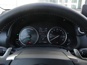 2017款300h 锋尚版 前驱 仪表