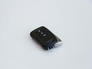 2017款300h 锋尚版 前驱 钥匙