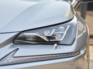 2017款300h 锋致版 全驱 头灯