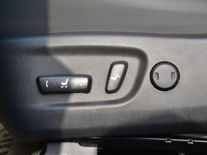 2017款300h 锋致版 全驱 座椅调节