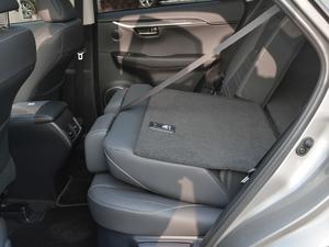 2017款300h 锋致版 全驱 后排座椅放倒
