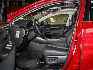 2017款200 锋尚版 全驱 前排空间