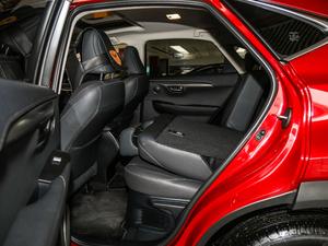 2017款200 锋尚版 全驱 后排座椅放倒