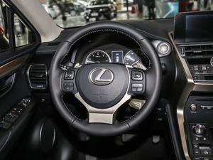 2017款200 锋尚版 全驱 方向盘