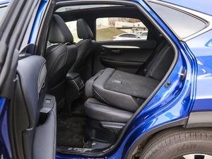 2017款300h F SPORT 全驱 后排座椅放倒
