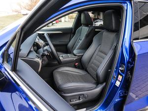 2017款300h F SPORT 全驱 前排座椅