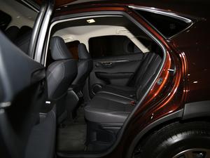 2017款300 锋行版 前驱 后排空间