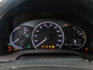 2017款200h 舒适版 单色 仪表