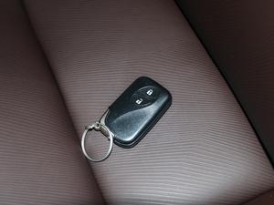 2017款200h 舒适版 单色 钥匙
