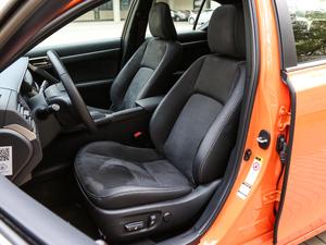 2017款200h F SPORT 双色 前排座椅