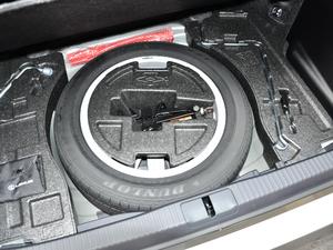 2017款300h Mark Levinson舒适版 备胎