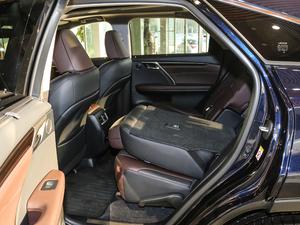 2017款450h Mark Levinson 四驱豪华版 后排座椅放倒