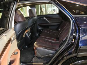 2017款450h Mark Levinson 四驱豪华版 后排空间