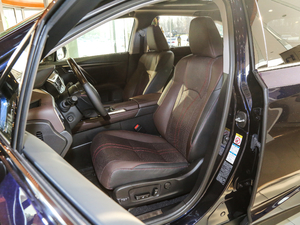2017款450h Mark Levinson 四驱豪华版 前排座椅