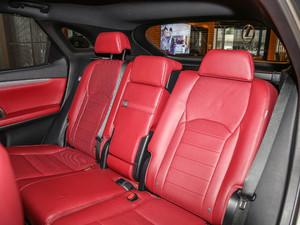 2017款300 Mark Levinson 四驱F SPORT 后排座椅