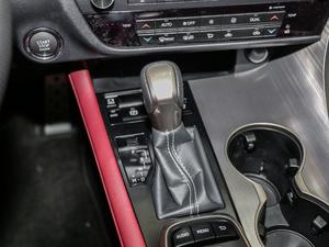2017款300 Mark Levinson 四驱F SPORT 变速挡杆