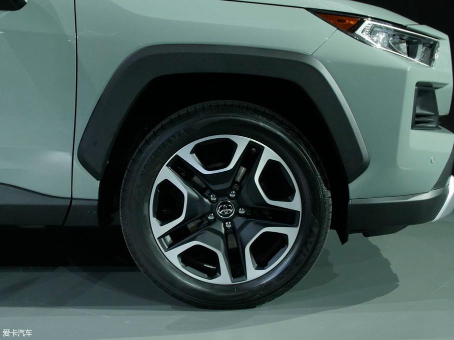 2019款丰田rav4(进口)基本型