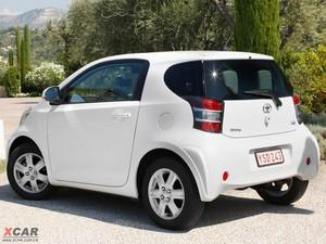 2009款丰田iQ 后侧45度