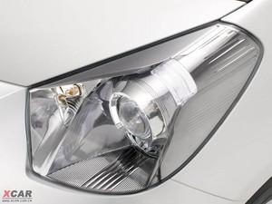 2009款丰田iQ 头灯