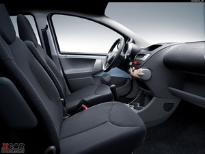 2009款丰田Aygo 前排空间