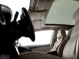 2012款Avensis 空间座椅