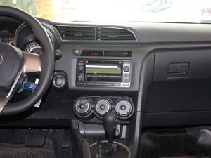 2011款2.5L 豪华版 中控台