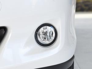 2012款2.4L 7人座标准版  雾灯