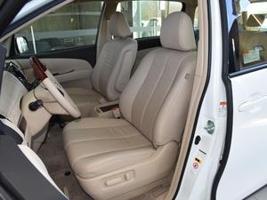 2012款2.4L 7人座标准版  前排座椅