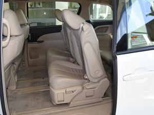 2012款2.4L 7人座标准版  后排座椅放倒