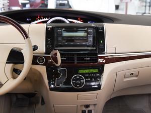 2012款2.4L 7人座标准版  中控台