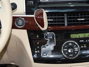 2012款2.4L 7人座标准版  变速挡杆