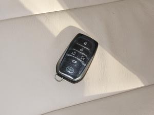 2012款2.4L 7人座标准版  钥匙