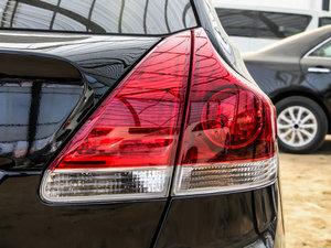 2013款2.7L 四驱至尊版 尾灯