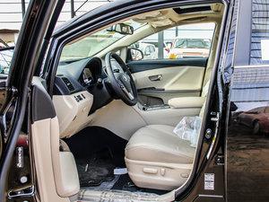 2013款2.7L 四驱至尊版 前排空间