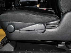 2013款4.0L 座椅调节