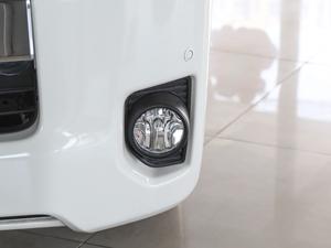 2011款2.7L 13座自动标准版 雾灯
