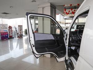 2011款2.7L 13座自动标准版 驾驶位车门