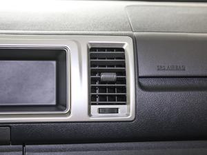 2011款2.7L 13座自动标准版 空调出风口