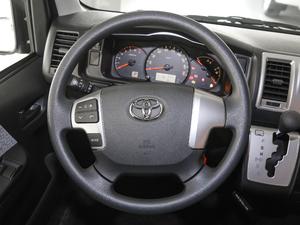 2011款2.7L 13座自动标准版 方向盘
