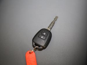 2011款2.7L 13座自动标准版 钥匙