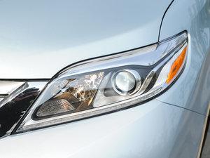 2015款3.5L 两驱L 头灯