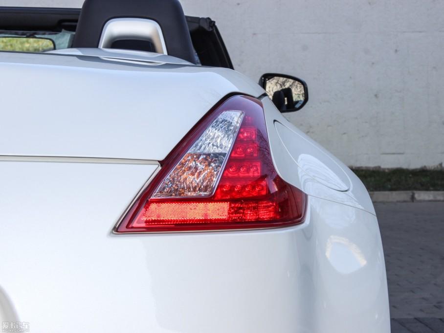 2013款日产370Z3.7L Roadster