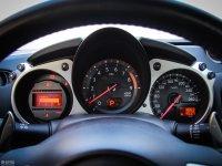 中控区日产370Z仪表