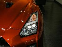 细节外观日产GT-R头灯
