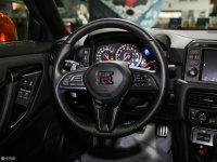 中控区日产GT-R方向盘